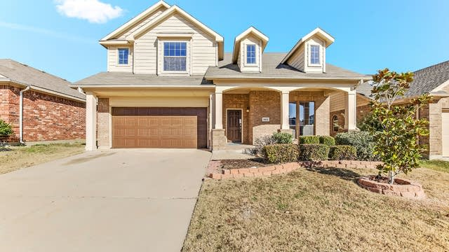 Photo 1 of 28 - 508 Baverton Ln, Haslet, TX 76052