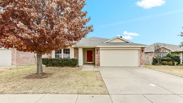 Photo 1 of 25 - 4105 Majestic Ct, Fort Worth, TX 76244