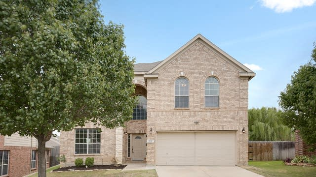 Photo 1 of 25 - 10045 Voss Ave, Fort Worth, TX 76244
