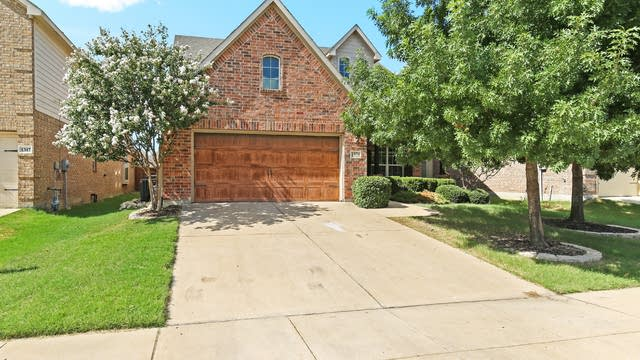 Photo 1 of 24 - 1321 Ocotillo Ln, Fort Worth, TX 76177
