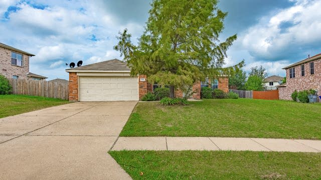 Photo 1 of 19 - 1109 Windsor Ln, Forney, TX 75126