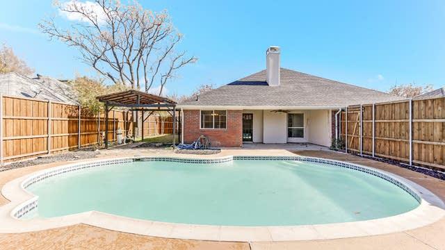 Photo 1 of 25 - 505 N Winding Oaks Dr, Wylie, TX 75098