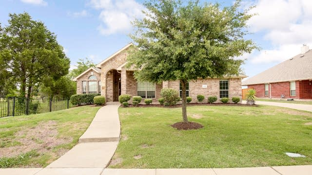 Photo 1 of 25 - 1300 Turnbridge Dr, Glenn Heights, TX 75154