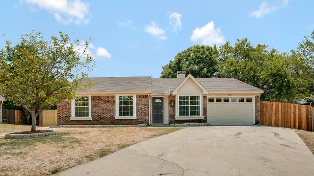 Photo 1 of 25 - 2602 Worth Forest Ct, Arlington, TX 76016