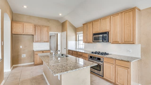 Photo 1 of 27 - 2453 Marble Canyon Dr, Little Elm, TX 75068