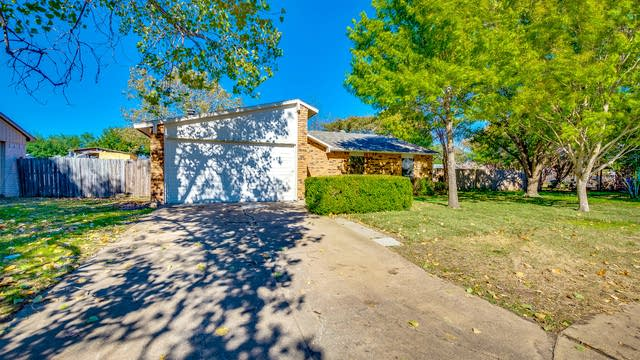 Photo 1 of 16 - 5113 Blue Glen Dr, The Colony, TX 75056