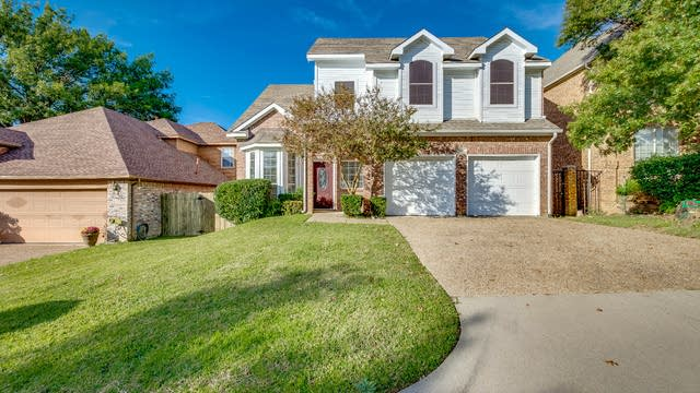 Photo 1 of 22 - 107 Nonesuch Pl, Irving, TX 75061