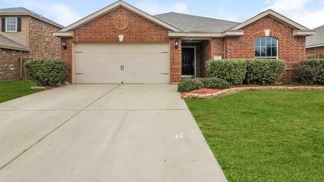 Photo 1 of 25 - 3204 Spruce St, Royse City, TX 75189