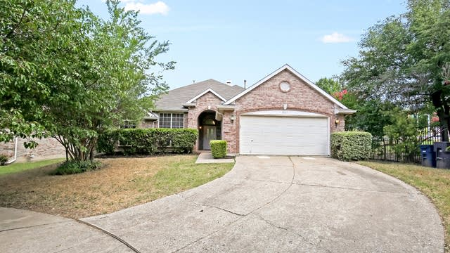 Photo 1 of 26 - 5567 Mesa Verde Ct, Fort Worth, TX 76137