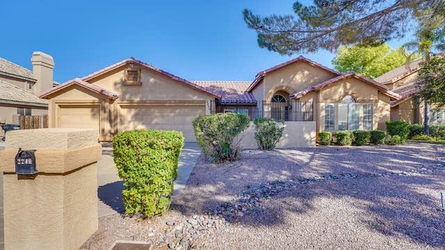 Photo 1 of 28 - 2240 E Kenwood St, Mesa, AZ 85213
