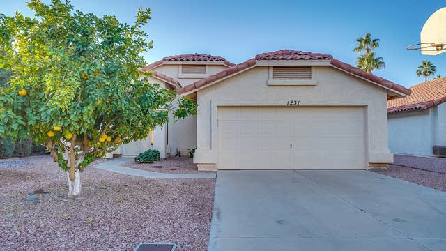 Photo 1 of 27 - 1231 E Tremaine Ave, Gilbert, AZ 85234