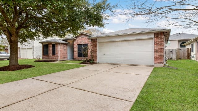Photo 1 of 24 - 4819 Drew Forest Ln, Humble, TX 77346