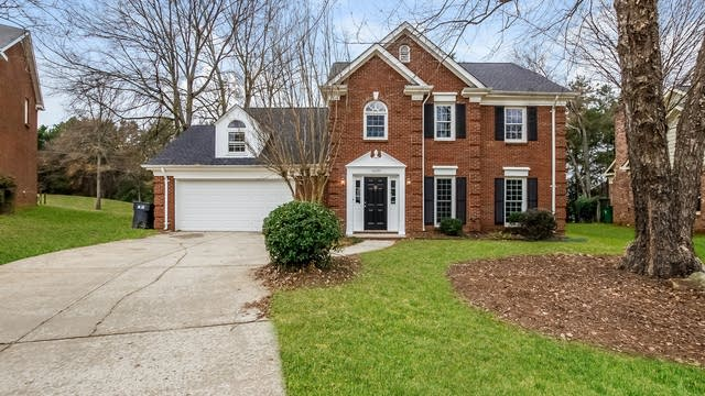 Photo 1 of 25 - 10232 Ridgemore Dr, Charlotte, NC 28277