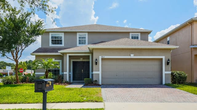 Photo 1 of 29 - 8802 Cameron Crest Dr, Tampa, FL 33626