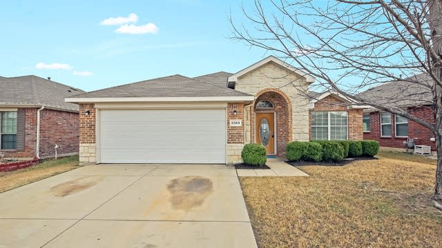 Photo 1 of 25 - 8504 Minturn Dr, Fort Worth, TX 76131