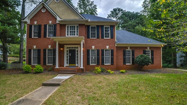 Photo 1 of 21 - 239 Oakmoor Ct, Lawrenceville, GA 30043