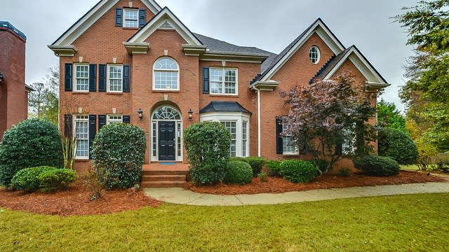 Photo 1 of 34 - 804 Green Trace Ct, Lawrenceville, GA 30045