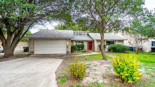 Photo 1 of 24 - 5311 Maple Vis, San Antonio, TX 78247
