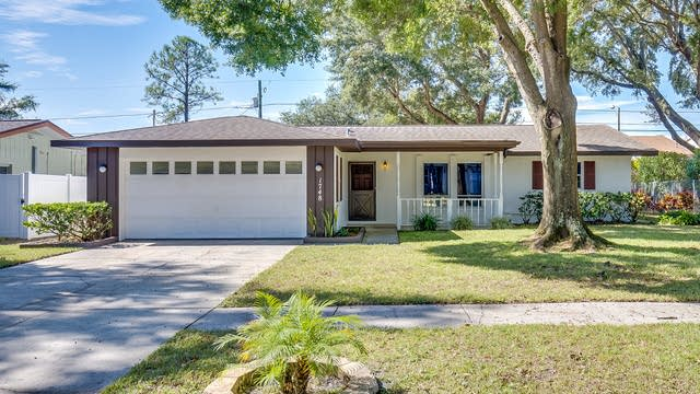 Photo 1 of 12 - 1748 Sharondale Dr, Clearwater, FL 33755
