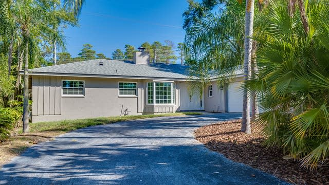 Photo 1 of 16 - 825 Pinewood Ter W, Palm Harbor, FL 34683