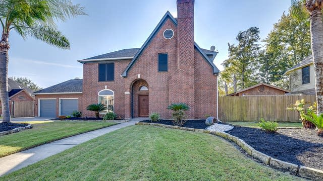 Photo 1 of 19 - 1504 Piney Woods Dr, Friendswood, TX 77546