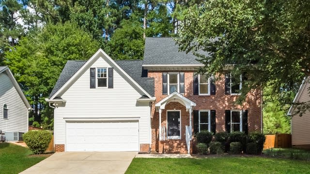 Photo 1 of 25 - 2108 Longwood Dr, Raleigh, NC 27612
