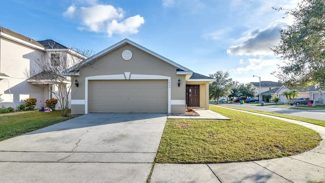 Photo 1 of 26 - 2400 Ashecroft Dr, Kissimmee, FL 34744
