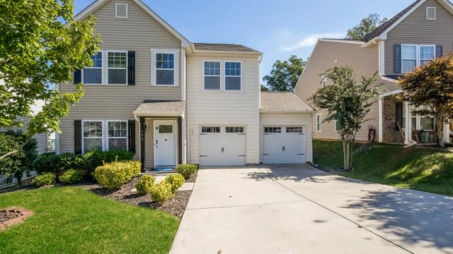 Photo 1 of 25 - 139 Collenton Ln, Mooresville, NC 28115