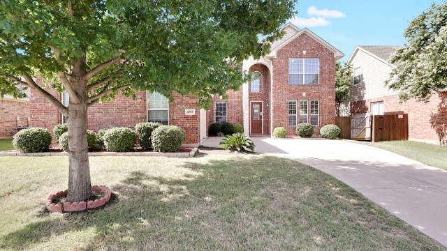 Photo 1 of 25 - 2317 Point Star Dr, Arlington, TX 76001