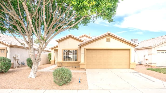 Photo 1 of 17 - 10426 W Windsor Blvd, Glendale, AZ 85307