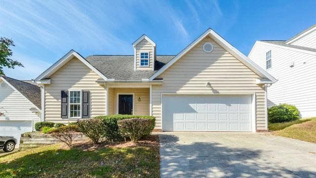 Photo 1 of 16 - 2123 Castle Pines Dr, Raleigh, NC 27604