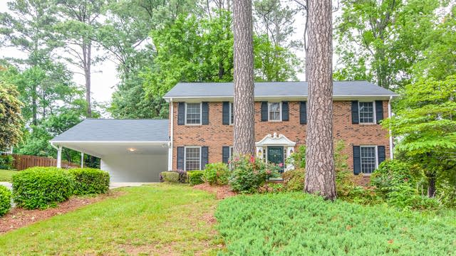 Photo 1 of 23 - 1908 Hillock Dr, Raleigh, NC 27612