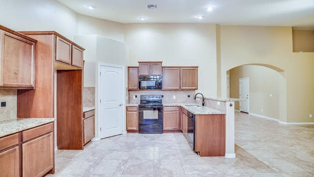 Photo 1 of 15 - 40220 N Oxford Way, San Tan Valley, AZ 85140