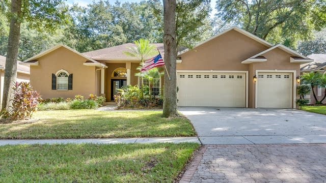 Photo 1 of 21 - 2203 Valrico Forest Dr, Valrico, FL 33594
