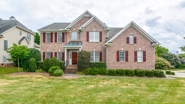 Photo 1 of 24 - 12400 Fieldmist Dr, Raleigh, NC 27614
