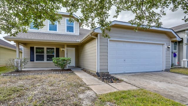 Photo 1 of 25 - 19803 Twin Rivers Dr, Tomball, TX 77375