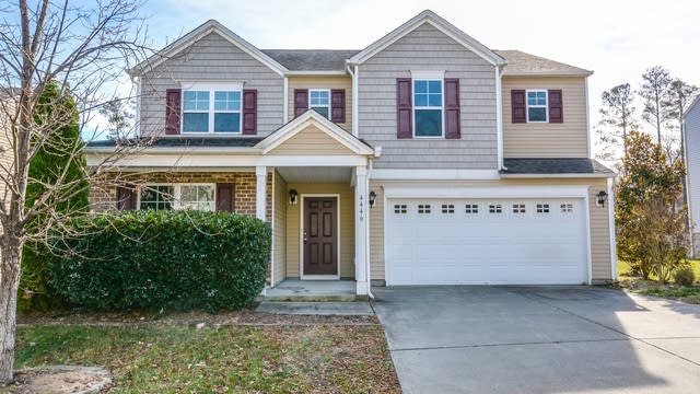 Photo 1 of 17 - 4446 Stonewall Dr, Raleigh, NC 27604