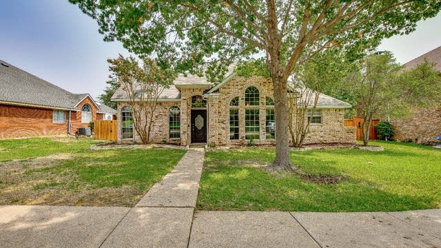 Photo 1 of 24 - 4218 Mulberry Dr, Carrollton, TX 75010