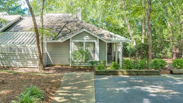 Photo 1 of 24 - 103 White Oak Way, Chapel Hill, NC 27514