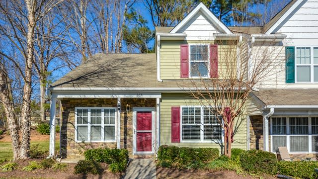 Photo 1 of 14 - 3631 Bison Hill Ln, Raleigh, NC 27604