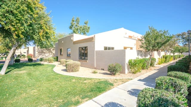Photo 1 of 17 - 4745 W Golden Ln, Glendale, AZ 85302