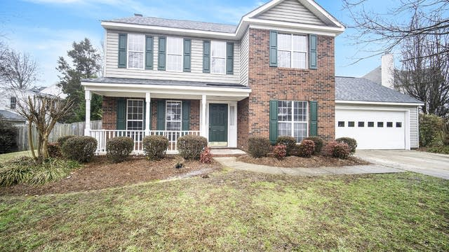 Photo 1 of 19 - 3725 Winterberry Ct NW, Charlotte, NC 28027