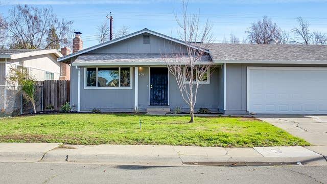 Photo 1 of 13 - 7451 Sylvia Way, Sacramento, CA 95822