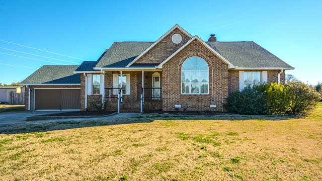 Photo 1 of 33 - 182 Northbend Dr, Youngsville, NC 27596
