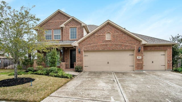 Photo 1 of 17 - 3909 Desert Zinnia Ct, Manvel, TX 77578