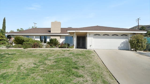 Photo 1 of 17 - 25118 Jaclyn Ave, Moreno Valley, CA 92557