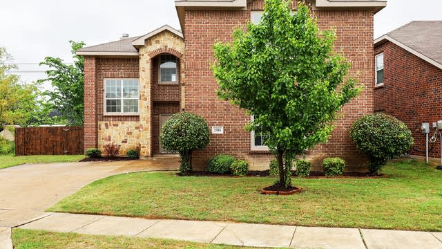 Photo 1 of 27 - 2301 Saffron Ln, Arlington, TX 76010
