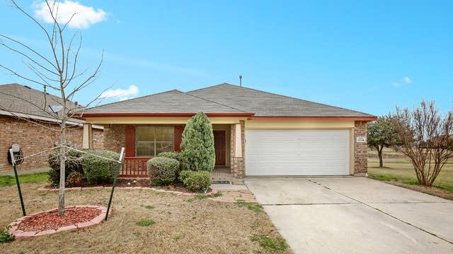 Photo 1 of 25 - 9804 Willowick Ave, Fort Worth, TX 76108