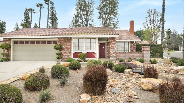 Photo 1 of 17 - 1174 Melville Dr, Riverside, CA 92506