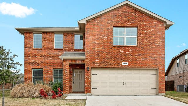 Photo 1 of 25 - 2624 Adams Fall Ln, Fort Worth, TX 76123